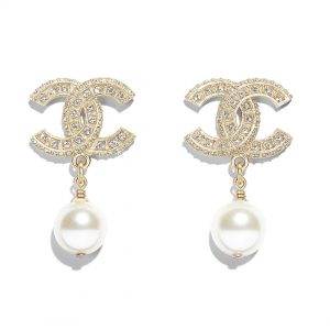 Chanel Women Earrings in Metal Glass Pearls Resin & Diamantés-White