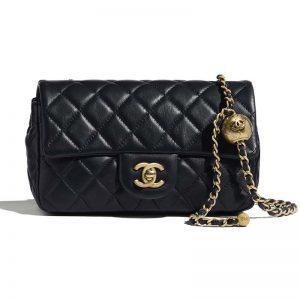 Chanel Women Flap Bag in Lambskin Leather-Navy